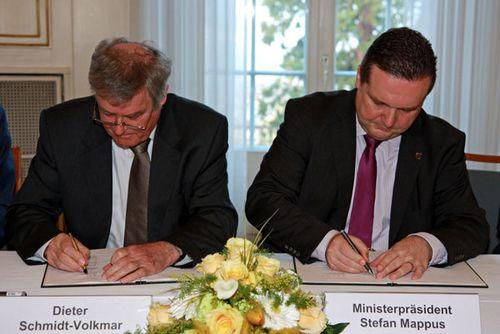 Landessportverband Baden-Württemberg und Landesregierung unterzeichnen Solidarpakt