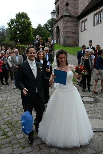 Hochzeitsglocken läuteten in Hirsau für Mareike und Adrian Röder