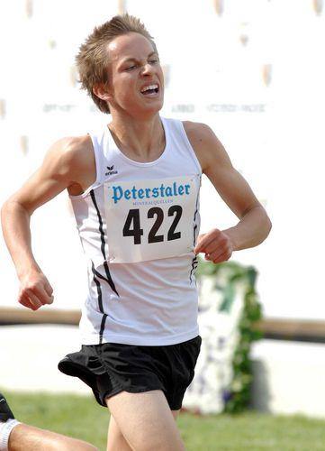 Vanessa Röll und Janice Waldvogel Dreifachsiegerinnen<br>Athleten trotzten der Witterung: Sonnenschein am Samstag, Regen am Sonntag