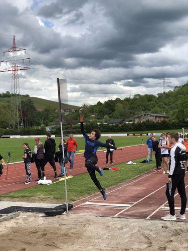 Der Team Hoch-Sprungcup setzt zur dritten Runde im Winnender Stadion an